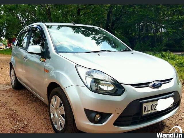Ford figo Titanium -pertol